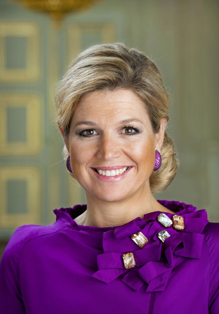 Queen Máxima: http://www.holland.com/global/Tourism/Interests/The-Dutch-Royal-Family/princess-maxima.htm (© RVD, foto: Frank van Beek)