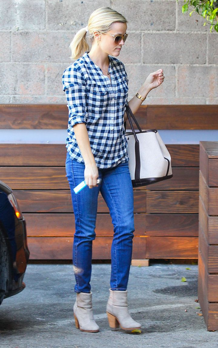 Reese Witherspoon ~ casual look