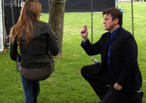 #Castle - Castle proposes to Beckett #Caskett