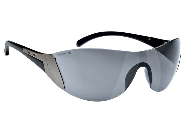 Light weight sporty wrap with a rimless frame. Sport from Fastrack http://www.fastrack.in/product/r043bk1/?filter=yes=sport=1=995=3495=12