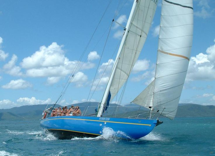 A Day Sailing in the Whitsunday Islands  #australia #travel #backpacking