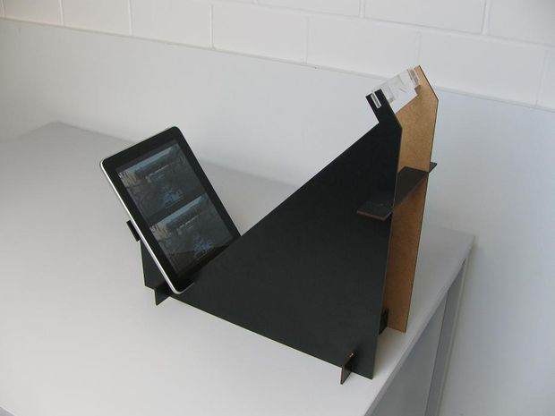 Picture of Full color 3-D viewing stand for iPad (watch Bluray3D content outdoor)