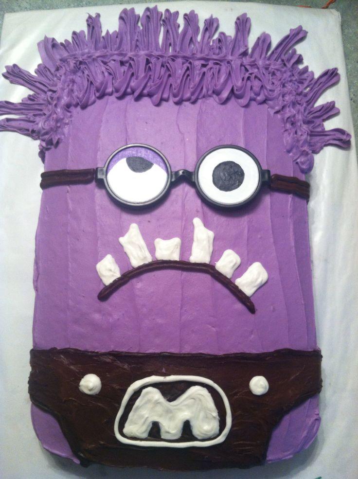 Purple minion cake design. November 2014