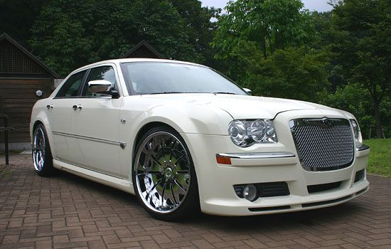 Chrysler 300C: the trailer-park Bentley.