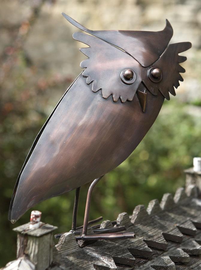 owl sculpture: