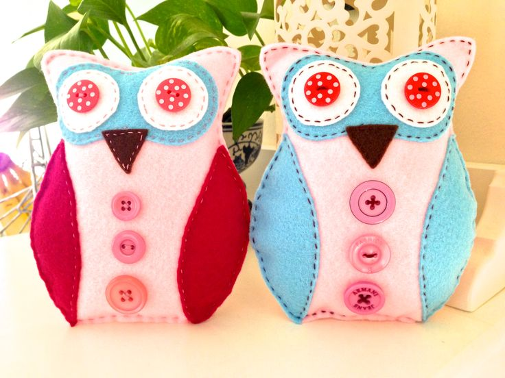 Hoot Hoot - Hand sewn felt owl.    Follow us on Facebook www.facebook.com/ck.kreations