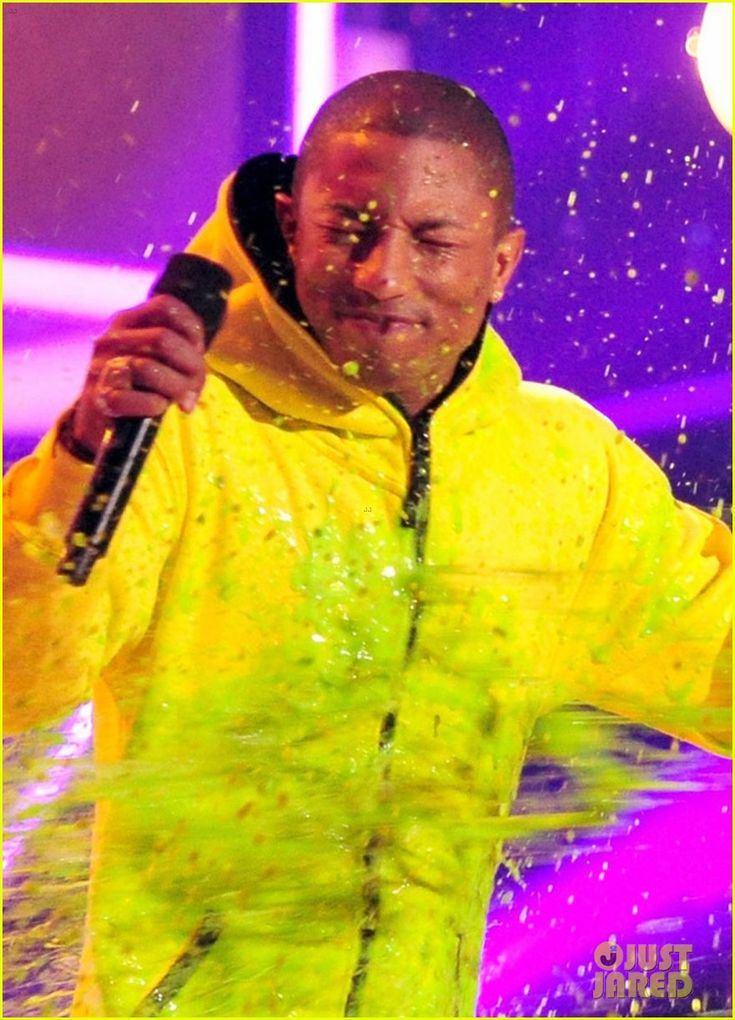 Pharrell Williams Gets Slimed at Kids' Choice Awards 2014! | pharrell williams slimed kids choice awards 2014 02 - Photo
