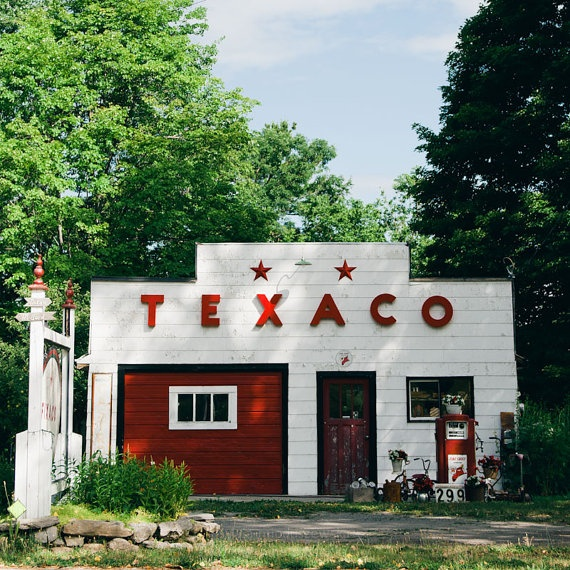 A gorgeous vintage gas station in picturesque Prince Edward County, Canada. Photo by Sylvia Mioduszewska