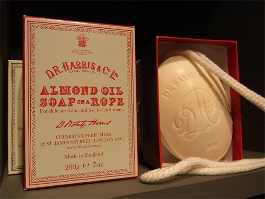 D.R. Harris / Almond Oil Soap-on-a-Rope