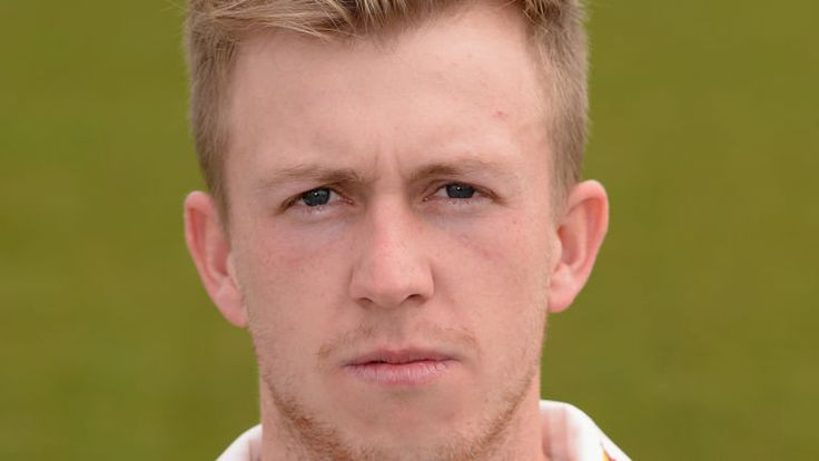 Batsman Angus Robson signs new one-year contract with Leicestershire