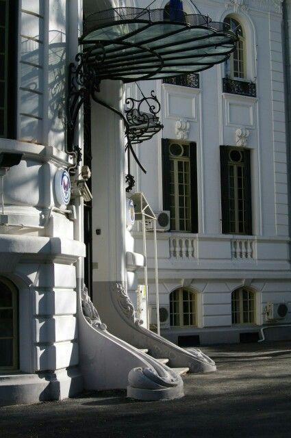 #Bucharest #white #modernarchitecture