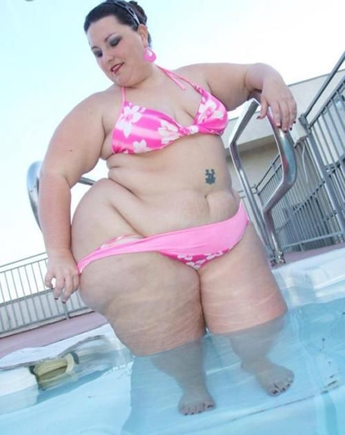 Growing ssbbw feedee pool play