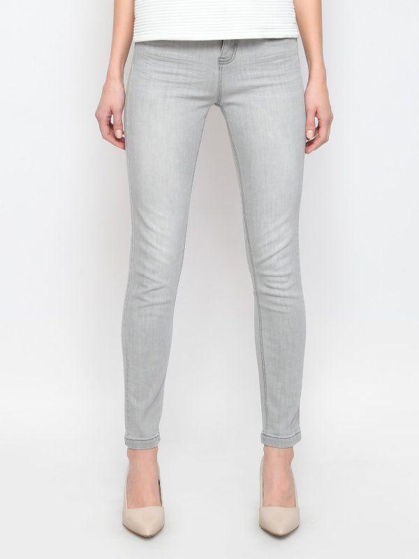 Spodnie damskie szare  - spodnie długie - TOP SECRET. SSP1896 Świetna jakość, rewelacyjna cena, modny krój. Idealnie podkreśli atuty Twojej figury. Obejrzyj też inne spodnie tej marki.