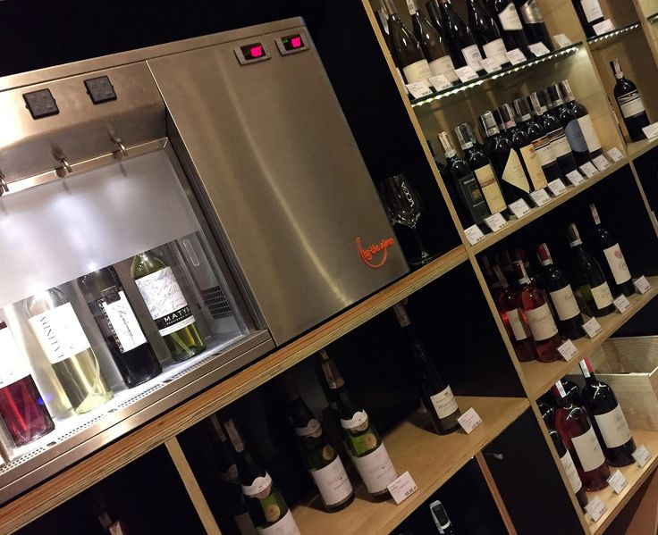 https://flic.kr/p/HEek3J | Shop & Tasting room Po Prostu Wino, Cracow