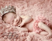 cutest baby girl announcement picture in the world. I must find that baby crown if-i-had-a-girl