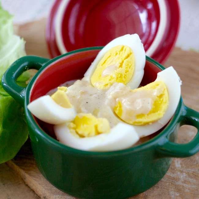 Jajka w sosie cebulowym