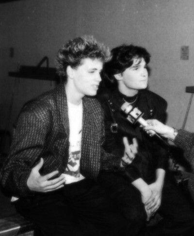 Corey haim(left)& Corey Feldman (right).