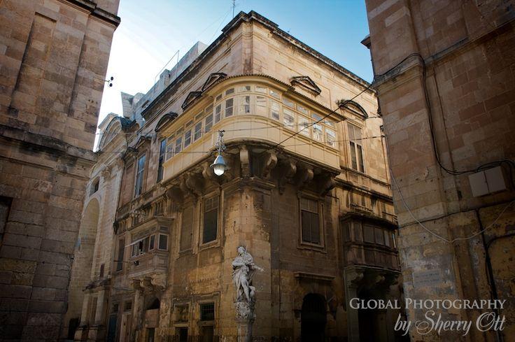 Maltese balcony origins balconies maltese and malta for Balcony origin