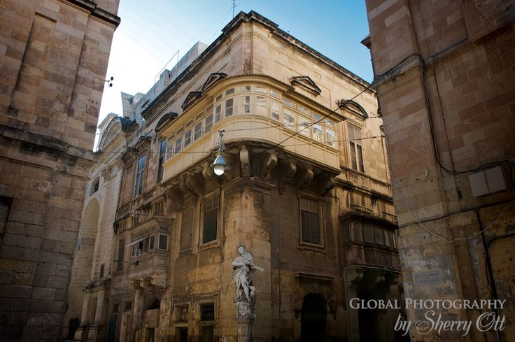 Maltese balcony origins balconies maltese and malta for Origin of balcony