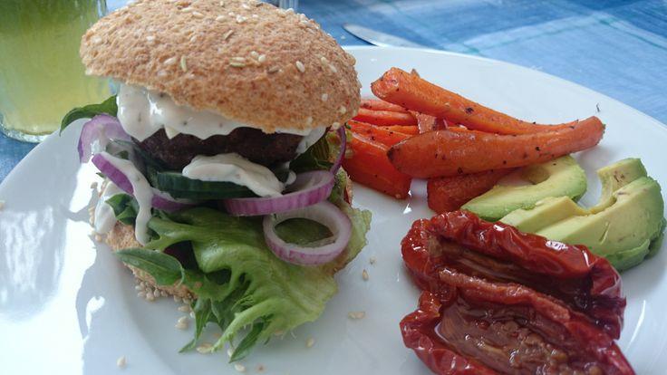 Glutenfritt hamburgerbröd och egen ketchup!