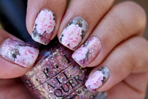 Light baby pink flower nail art with glitter
