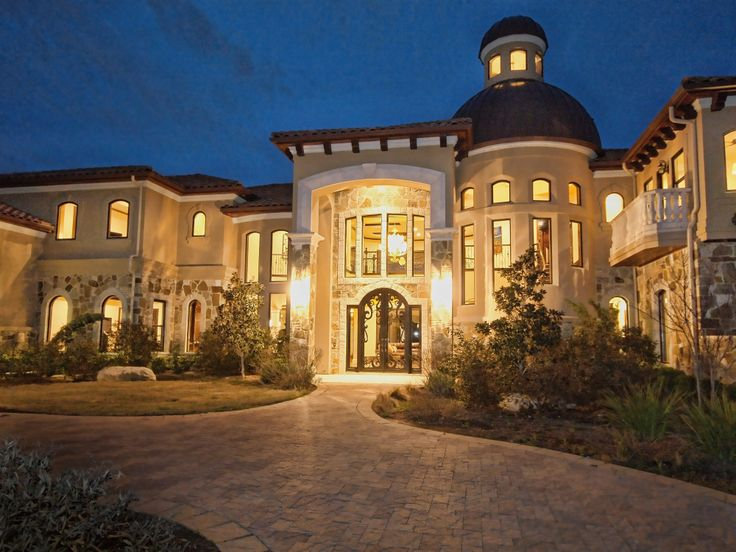 Lake austin luxury front entry by zbranek and holt custom for Home builder com