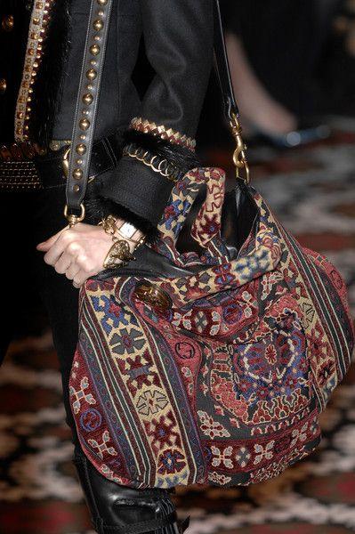 A real carpet bag!  - Gucci Fall 2008 - Details LOVE this bag