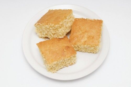 weight watchers light and healthy cornbread still just 3 SmartPoints! Perfect with a cup of chili!! http://simple-nourished-living.com/2012/01/light-healthy-cornbread-recipes-points-3-6/
