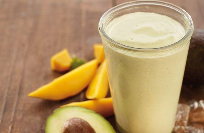 Avocado mango smoothie)