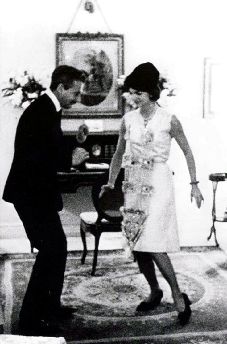 jacqueline kennedy and oleg cassini doing the twist you can 39 t sit with us pinterest. Black Bedroom Furniture Sets. Home Design Ideas
