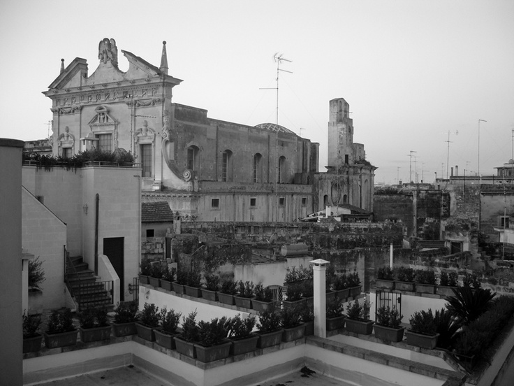Enjoy the flat roof! Lecce overview  this is chiesa del gesù ( gesus church ), it was sunrise coming. Amazing Puglia