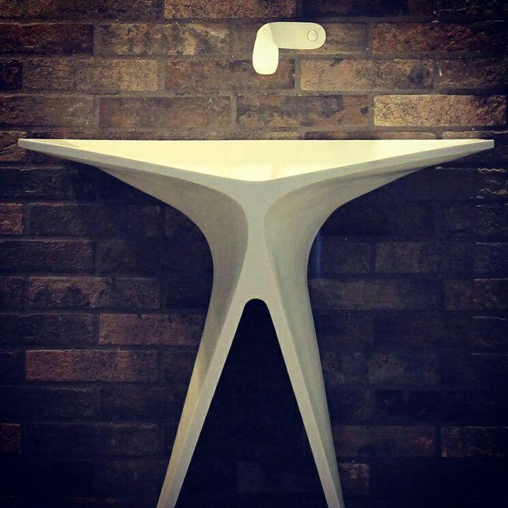 MyBath Silence standing washbasin  www.mybath.pl  www.facebook.com/mybathpl  #corian #mybath #interiordesign #bathroom #bathroomdesign #luxurybathroom #luxury #interior #corian #texture #home #creativity #essentials #luxurydesign #luxurydesigner #designresearch #renowation #residence #interiorinspiration  #inspirations #interiorstyling #designporn #modernhouse #modernhome #homestaging