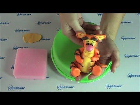 Fondant Tigger (the friend of Winnie the Pooh) cake topper tutorial.