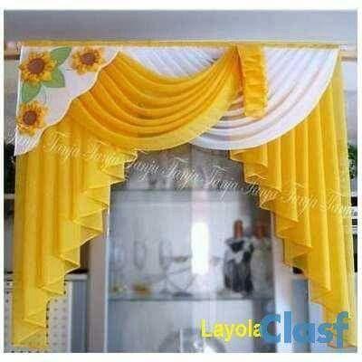 Cortina amarillo y blanco con girasoles
