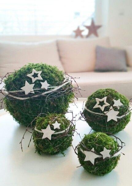 Mosbollen met sterren www.decoratietakken.nl