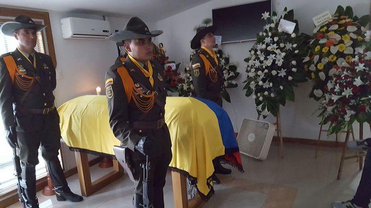 Honores y despedida al Señor Coronel Bernardo Pantoja hacia el paraíso