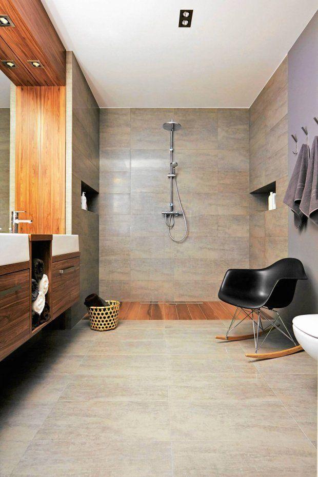 Coraz częściej w łazience rezygnujemy z tradycyjnych wysokich brodzików i urządzając łazienkę, sięgamy po wygodniejsze rozwiązania. Prysznic bez brodzika z odpływem na poziomie podłogi należy do najciekawszych.