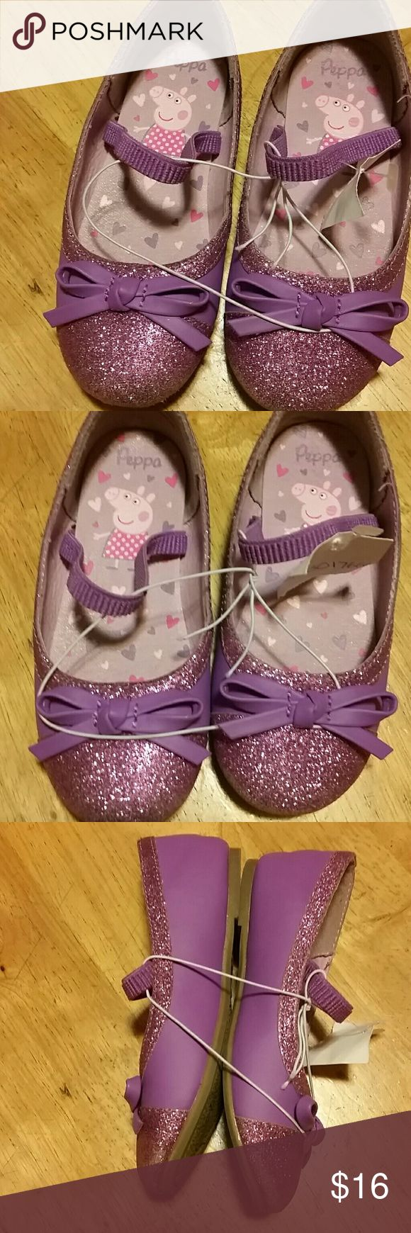 Peppa pig! !! Cute ballet flats very glittery with elastic band to hold in place never worn excellent condition no rips or stains. Peppa Pig Shoes Dress Shoes