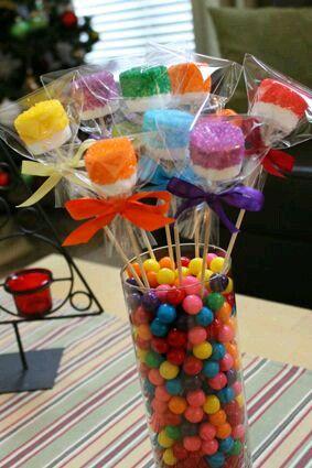 más y más manualidades: Como hacer centros de mesa con dulces