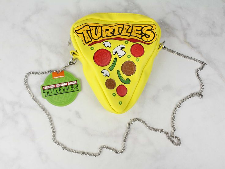 We received a Teenage Ninja Mutant Turtles Pizza Purse from Loot For Her February 2017! See my review + coupon code!   February 2017 Loot For Her Review & Coupon →  https://hellosubscription.com/2017/03/february-2017-loot-review-coupon/ #LootCrate #LootWear  #subscriptionbox