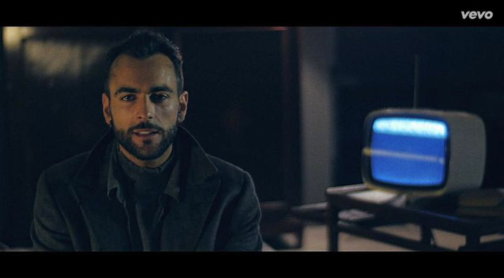 Music video by Marco Mengoni performing Parole in circolo. (C) 2016 Sony Music Entertainment Italy S.p.A..