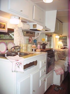 """The Beehive Cottage: Kelly from """"Rose Vine Cottage Two"""" Trailer! Kitchen"""