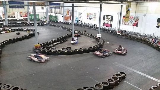 Dots United Kart-Rennen 2015. Weitere Bilder auf Facebook: https://www.facebook.com/media/set/?set=a.10153648116571145.1073741836.201299076144&type=3