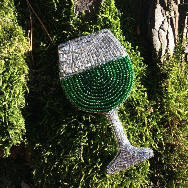 Bead embroidery inspiration, embroidered brooch, beaded jewelry, green glass, absinthe