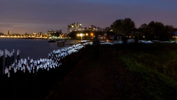 www.studioroosegaarde.net - Dune is a permanent interactive landscape besides the river Maas in Rotterdam, NL. This public artwork of 60 meters utilizes less than…