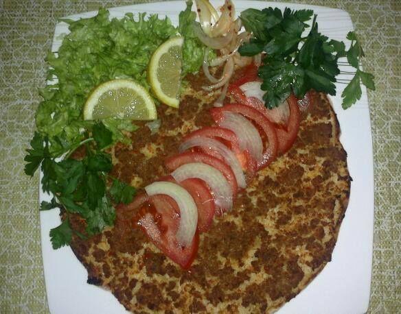 turkish food- lahmacun