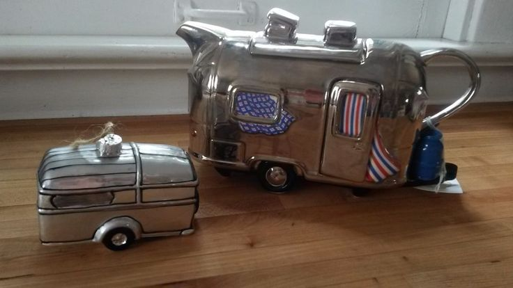 Airstream enthusiasts Collectors set. Made in England. Trademark The Teapottery. Could use a little shine up but overall like new. The current cost of one bought new is $140. | eBay!