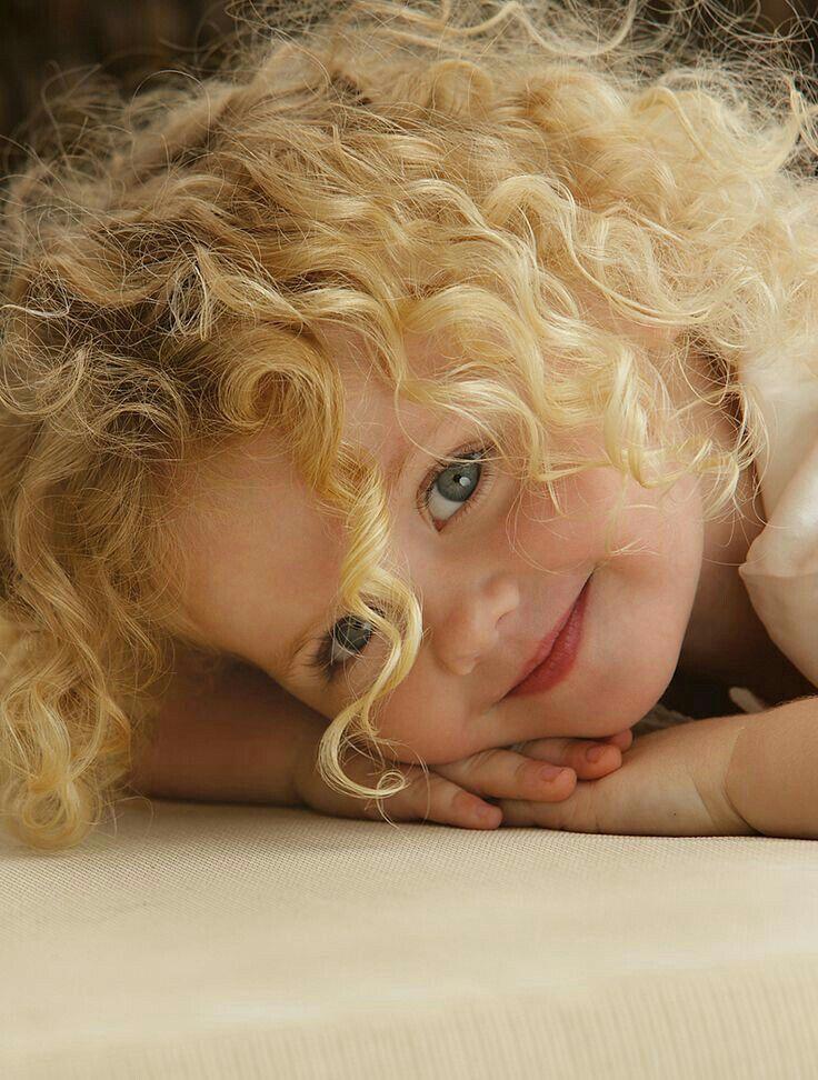 Sevimli kız çocuğu. :)