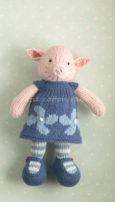 Little Cotton Rabbits knitted dolls always are so adorable.
