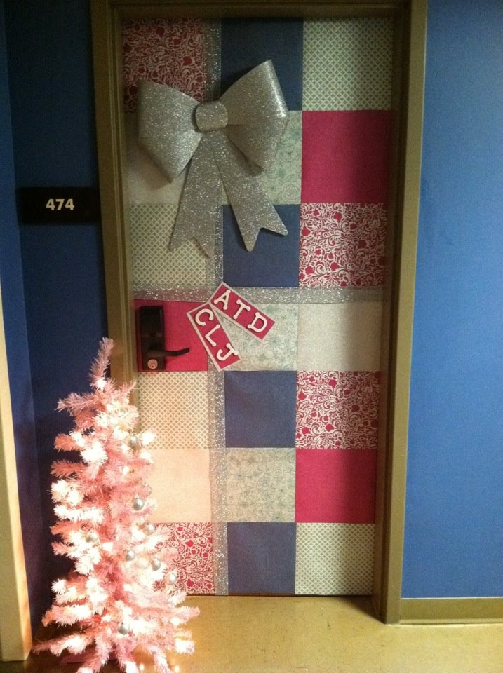 Decorating the door for Christmas!! LOVE LOE LOVE
